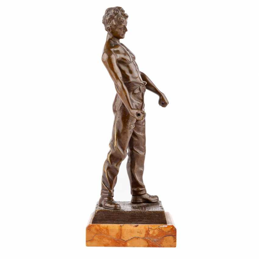 "Bronze figure of ""craftsmen"" - photo 4"