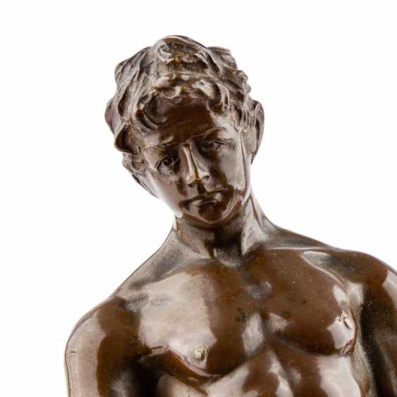 "Bronze figure of ""craftsmen"" - photo 5"