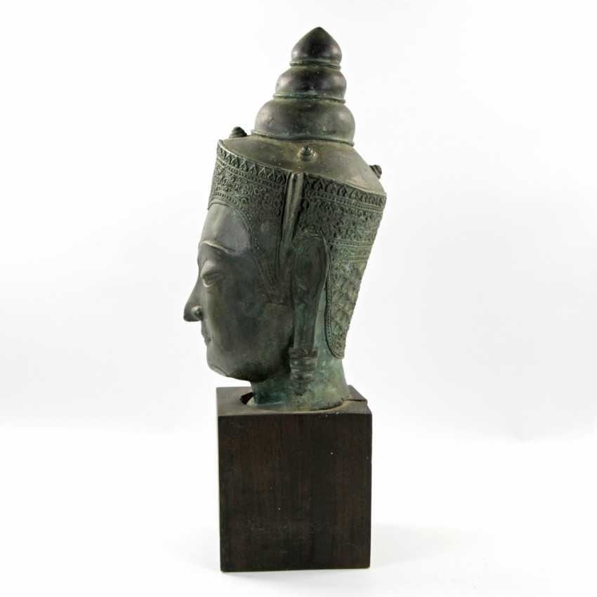 Bekrönter Kopf des Buddha. Wohl THAILAND Ayutthaya 18. Jahrhundert oder früher. - Foto 4