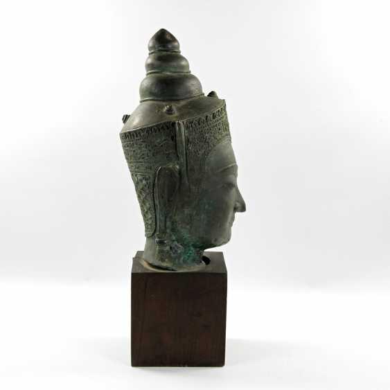 Bekrönter Kopf des Buddha. Wohl THAILAND Ayutthaya 18. Jahrhundert oder früher. - Foto 6