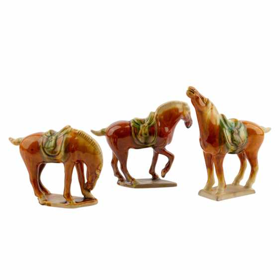 Three horses in the style of the Tang dynasty. CHINA, 20. Century. - photo 2