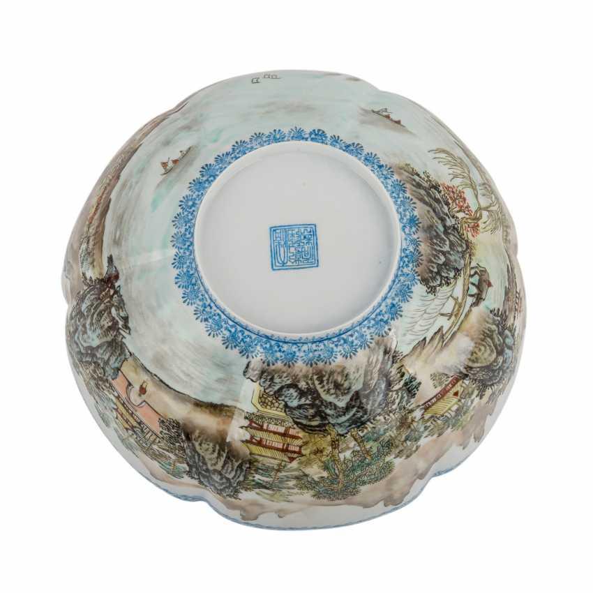 Bowl of egg-shell porcelain. CHINA, 20. Century. - photo 4