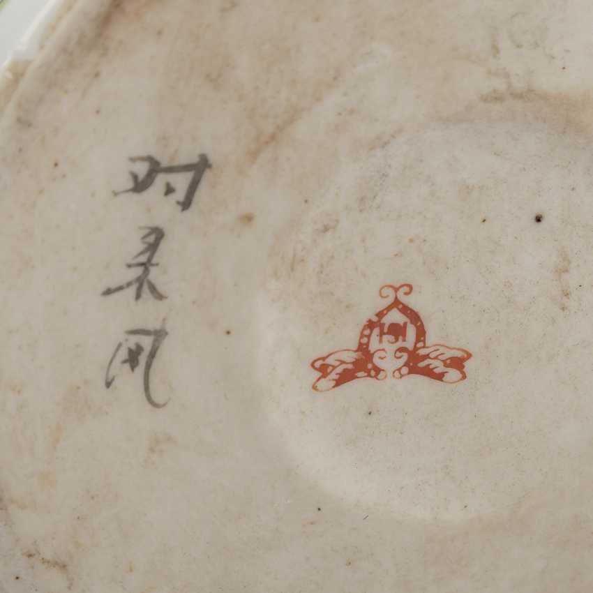 Hutständer aus Porzellan. CHINA, 20. Jahrhundert. - Foto 5