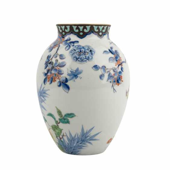 Vase made of porcelain. JAPAN, Taisho period (1912-1926) - photo 2