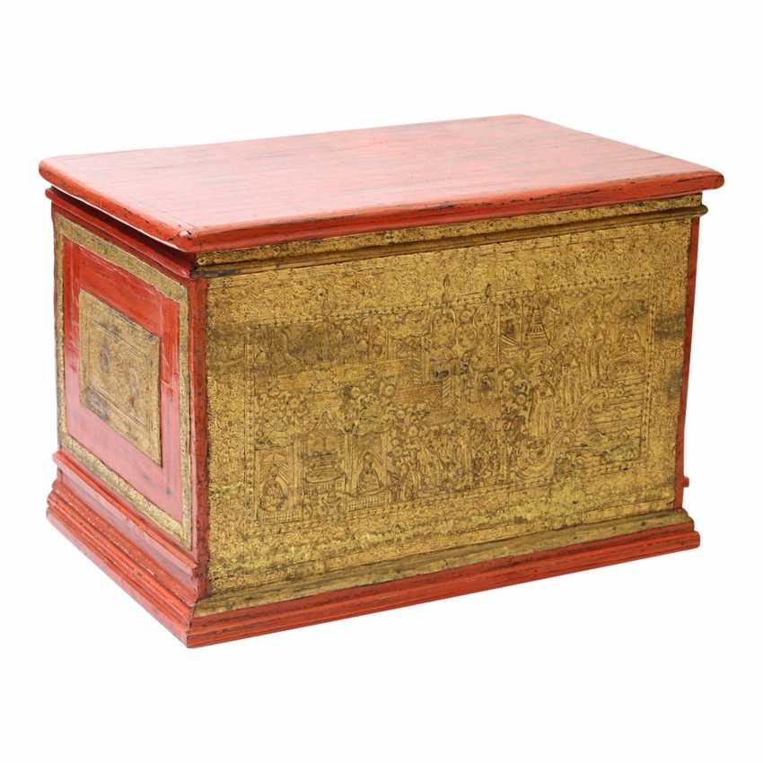 Prächtige Holztruhe zur Aufbewahrung von Manuskripten. BURMA, 19. Jahrhundert, Mandalay-Periode. - Foto 1