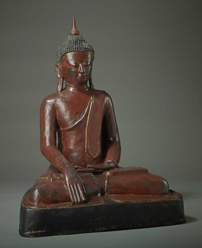 MEDITATIVE, SITTING BUDDHA - photo 2