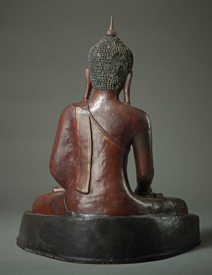 MEDITATIVE, SITTING BUDDHA - photo 3
