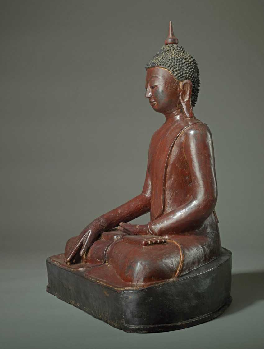 MEDITATIVE, SITTING BUDDHA - photo 4