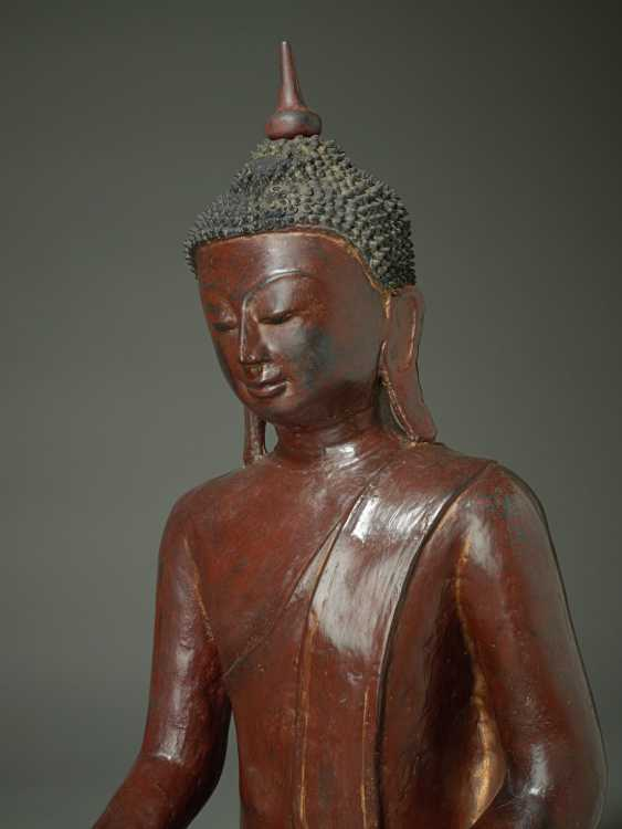 MEDITATIVE, SITTING BUDDHA - photo 5