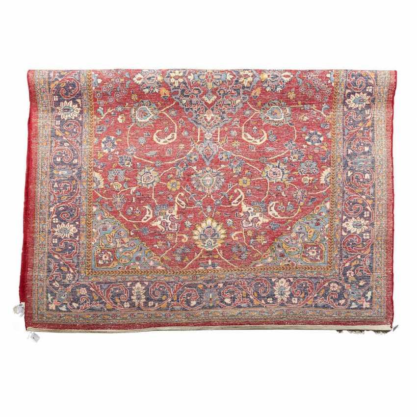 Orientteppich. 20. Jahrhundert, ca. 310x217 cm. - Foto 2