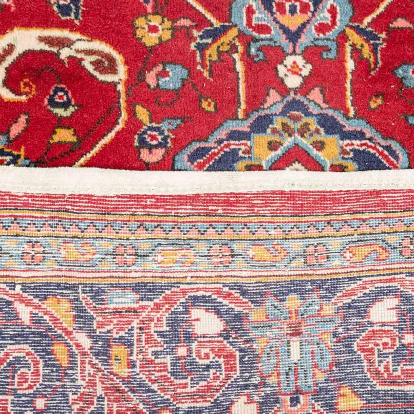 Orientteppich. 20. Jahrhundert, ca. 310x217 cm. - Foto 3