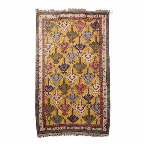 Orientteppich. 20. Jahrhundert, ca. 190x113 cm. - Foto 1