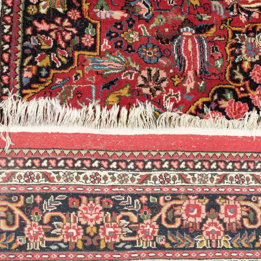 Orientteppich. BADUHI/IRAN, 1970er Jahre, ca. 336x242 cm. - Foto 2