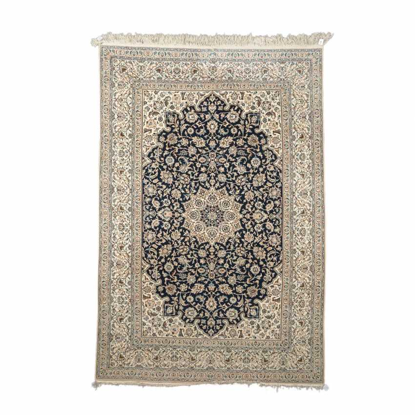 Orientteppich. NAIN/PERSIEN, 20. Jahrhundert, 317x215 cm. - Foto 1