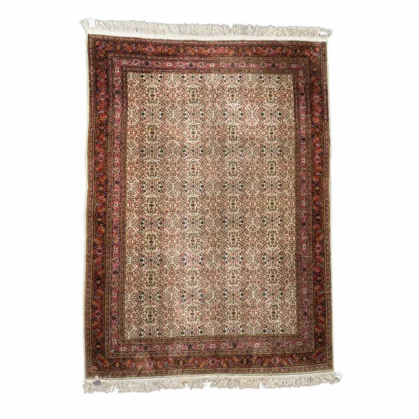 Orientteppich aus Seide. TUNESIEN, 1980er Jahre, ca. 243x170 cm. - Foto 1