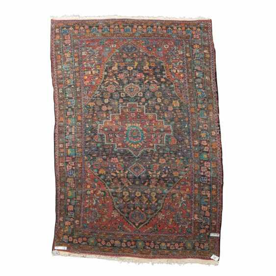 Orientteppich. HAMADAN/PERSIEN, 20. Jahrhundert, ca. 215x142 cm. - Foto 2