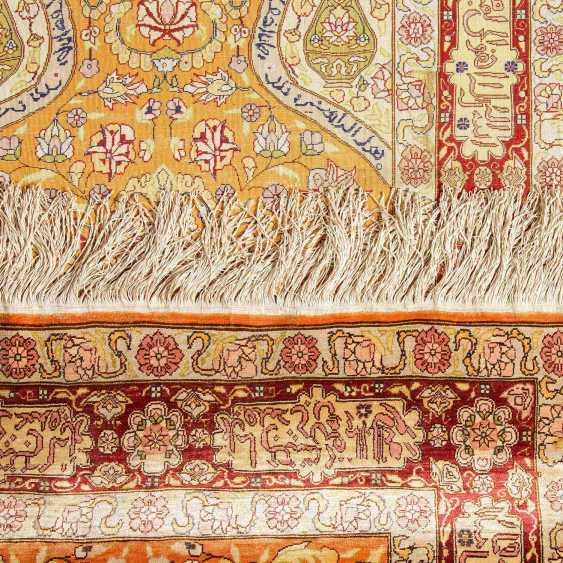 Orienttepppich aus Seide. TÜRKEI/KAYSERI, 20. Jahrhundert, ca. 125x79 cm. - Foto 3