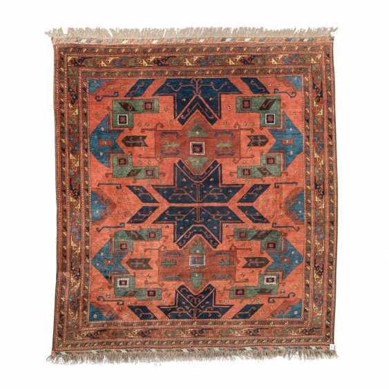 Orientteppich. 20. Jahrhundert, ca. 240x260 cm. - Foto 1
