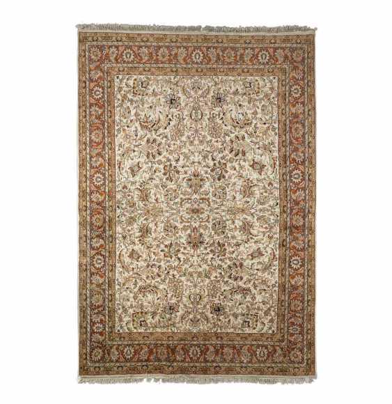 Orientteppich. 20. Jahrhundert, 347x248 cm. - Foto 1