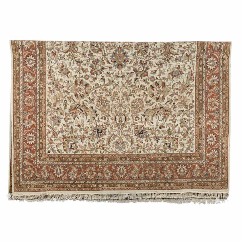Orientteppich. 20. Jahrhundert, 347x248 cm. - Foto 2