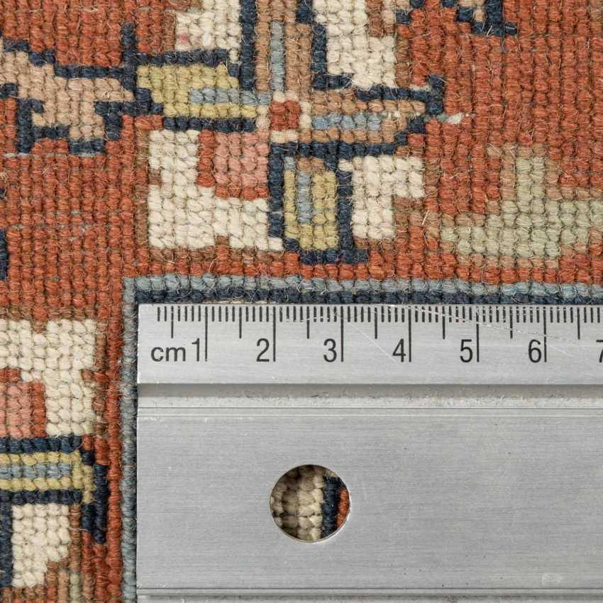 Orientteppich. 20. Jahrhundert, 347x248 cm. - Foto 4