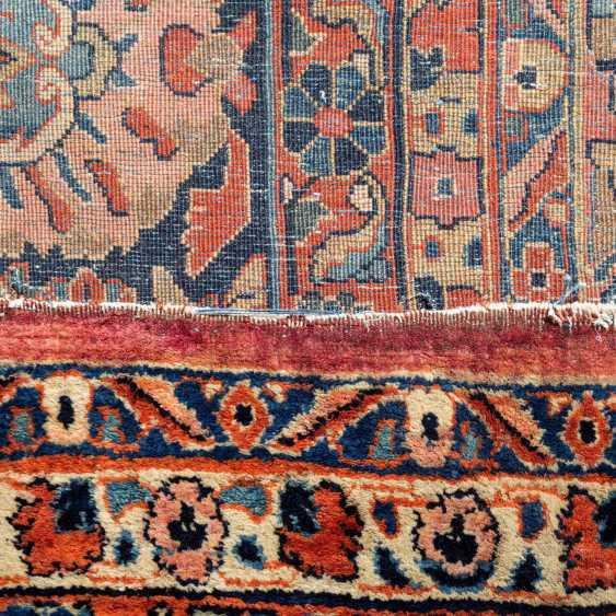 Orientteppich. SARUK/PERSIEN, 1. Hälfte 20. Jahrhundert, ca. 548x348 cm. - Foto 3