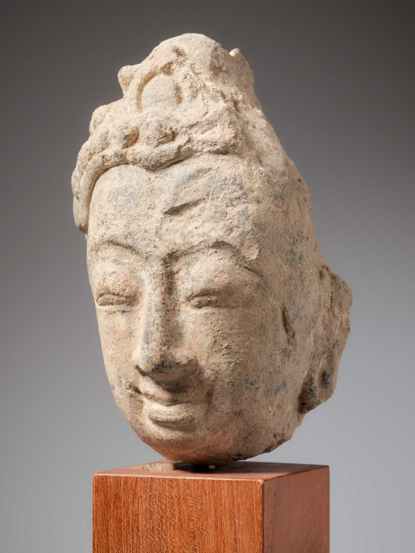 HEAD OF THE BUDDHA - photo 2