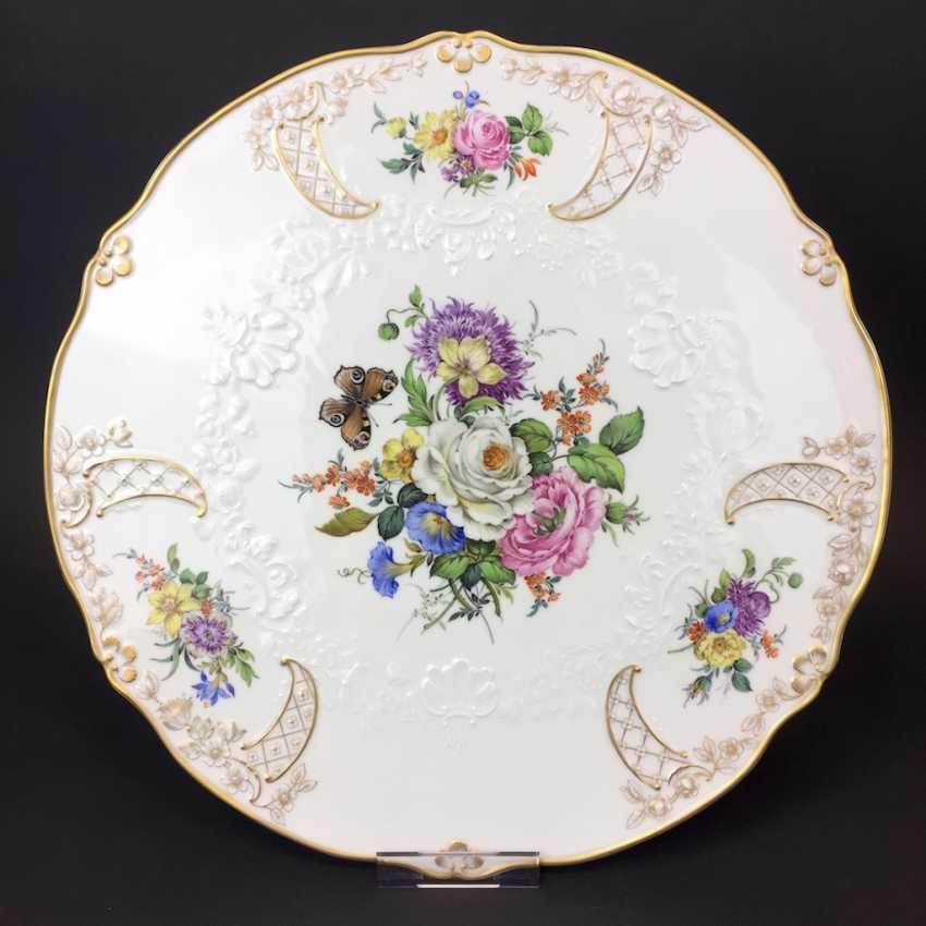 Extraordinary splendor plate, Meissen porcelain, Relief Neumarseille, flower Bouquet and butterfly, 39 cm, very good - photo 1