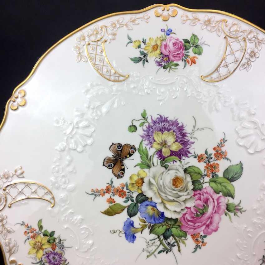 Extraordinary splendor plate, Meissen porcelain, Relief Neumarseille, flower Bouquet and butterfly, 39 cm, very good - photo 2