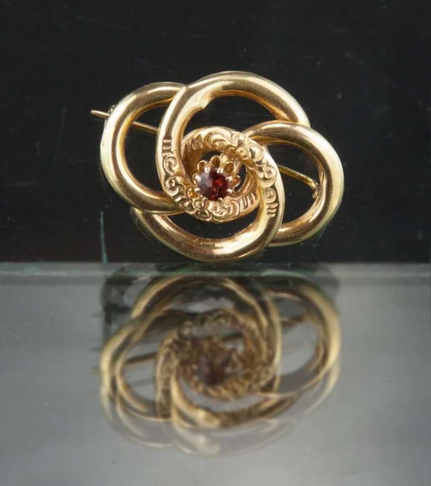 Foam gold brooch, Biedermeier, around 1835, yellow gold 750 / 18 carats. - photo 1
