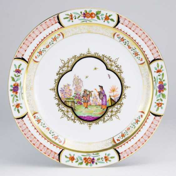 Exceptional Ceremonial Plate: Meissen Porcelain. Chinoiserie, Johann Georg Höroldt. Pfeiffer-Period 1924-34. Very rare. - photo 1