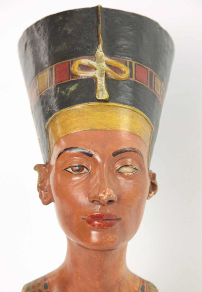 Bust of Nefertiti. Very early replica to Tina Haim-Wentscher to 1920 in original size, Gipsformerei state. Museums Bln - photo 2
