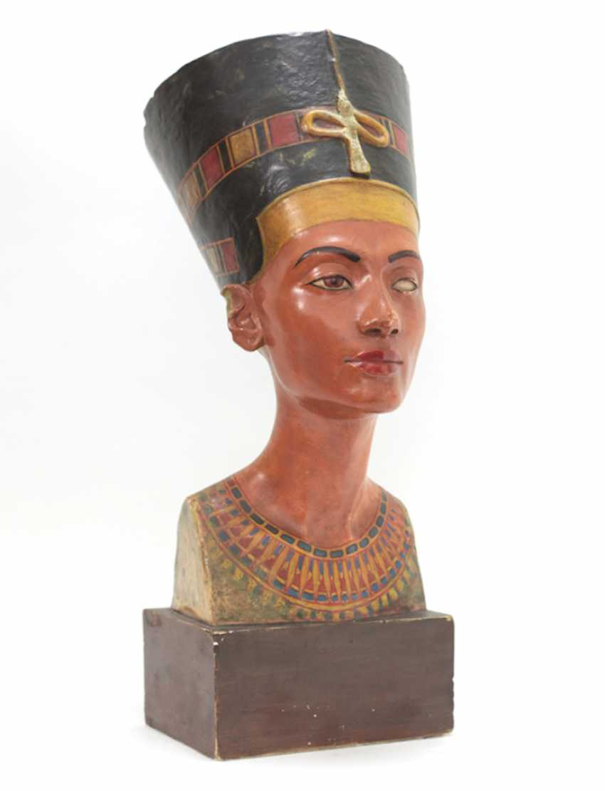Bust of Nefertiti. Very early replica to Tina Haim-Wentscher to 1920 in original size, Gipsformerei state. Museums Bln - photo 3