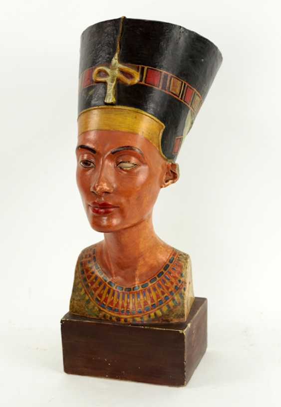 Bust of Nefertiti. Very early replica to Tina Haim-Wentscher to 1920 in original size, Gipsformerei state. Museums Bln - photo 4