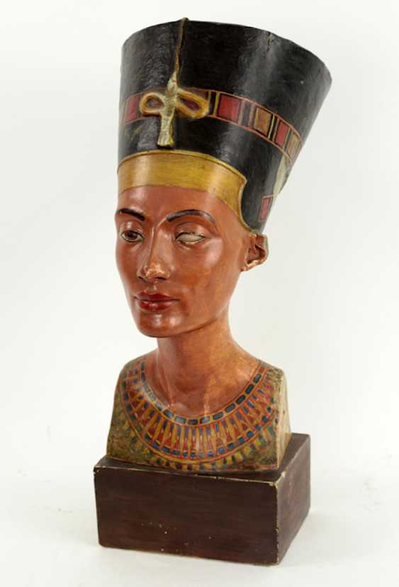 Bust of Nefertiti. Very early replica to Tina Haim-Wentscher to 1920 in original size, Gipsformerei state. Museums Bln - photo 6