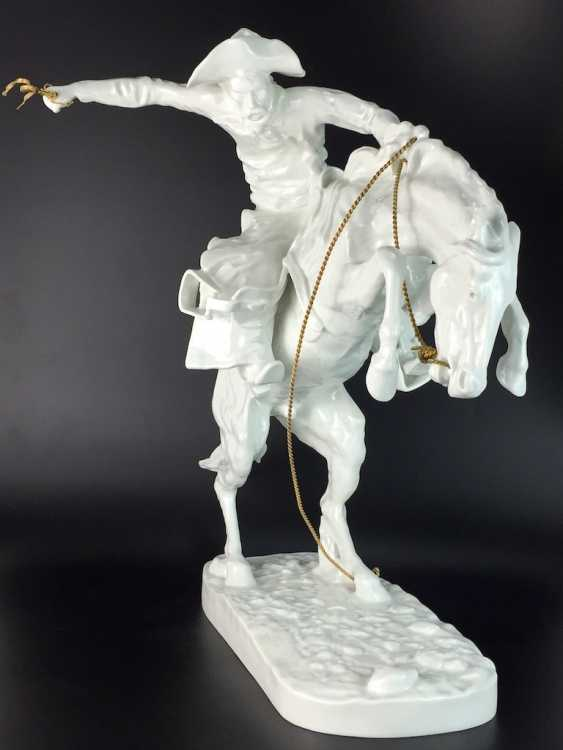 """Frederic Remington """"The Broncho Buster"""" The Bronco Buster, Kaiser porcelain, limited edition 57/100, grandiose work!! - photo 1"""