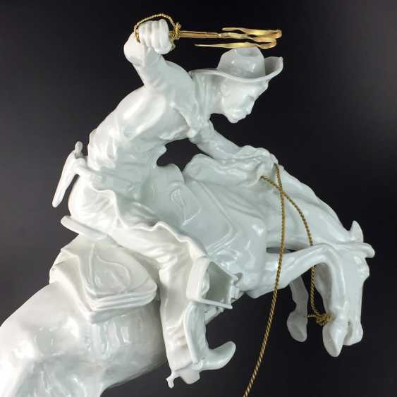 """Frederic Remington """"The Broncho Buster"""" The Bronco Buster, Kaiser porcelain, limited edition 57/100, grandiose work!! - photo 5"""