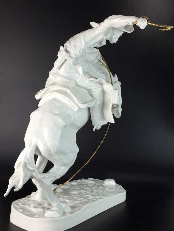 """Frederic Remington """"The Broncho Buster"""" The Bronco Buster, Kaiser porcelain, limited edition 57/100, grandiose work!! - photo 10"""