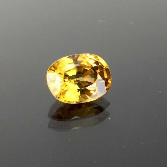 Yellow / gold yellow natural Zikon, oval, faceted, untreated, to 4.6 carats, excellent. - photo 1