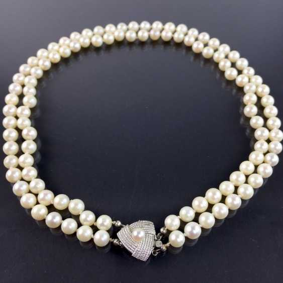 Elegant rhodium-plated two-row pearl necklace / pearl necklace: Akoya pearls, handmade clasp silver 925, very good. - photo 1