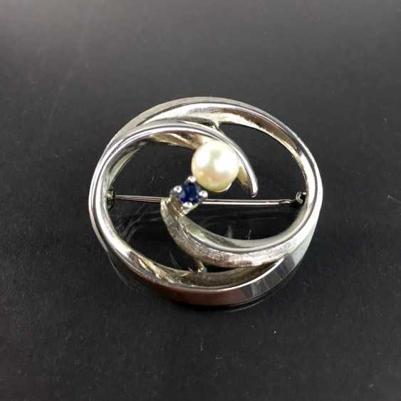 Elegant brooch: silver 835, rhodium-plated with Akoya pearl and sapphire, very beautiful. - photo 1