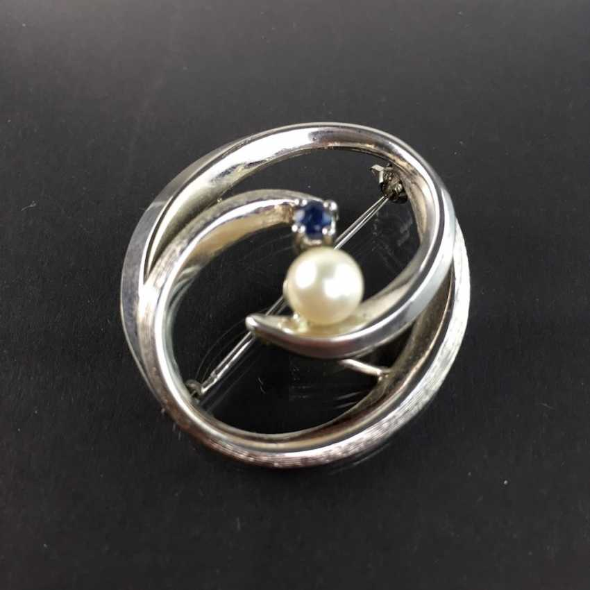Elegant brooch: silver 835, rhodium-plated with Akoya pearl and sapphire, very beautiful. - photo 2