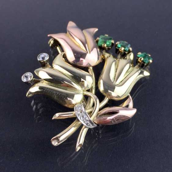 Unusual flower brooch with brilliants and emeralds, Yellow-, Red -, and White Gold 585. Unique item in very good condition - photo 4