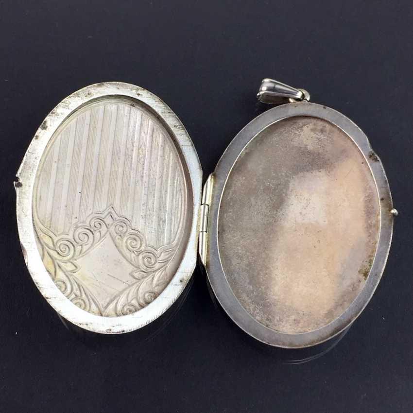 Patriotic pendant / Locket-pendant / folding trailer: with two photos, engraved, enamelled in dark blue, around 1940, - photo 2