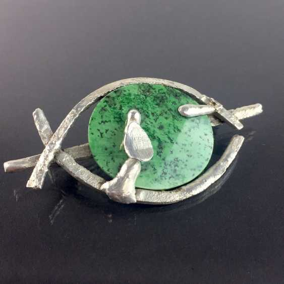 Designer brooch Sterling silver 925, poached worked with green chalcedony. - photo 2