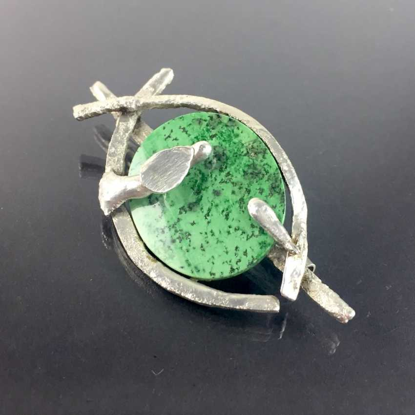 Designer brooch Sterling silver 925, poached worked with green chalcedony. - photo 3