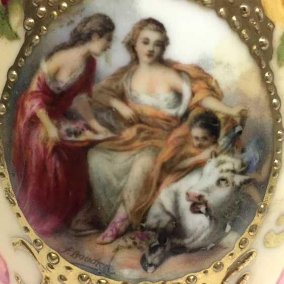 Vase: Bauer & Lehmann Porcelain Manufactory, Leuchtenburg Thuringia. Neo-Baroque to 1880, decor, after François Boucher. - photo 5