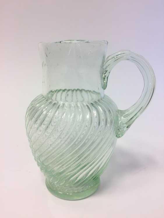 Glass pitcher with a twisted / godroniertem body, 19. Century - photo 1