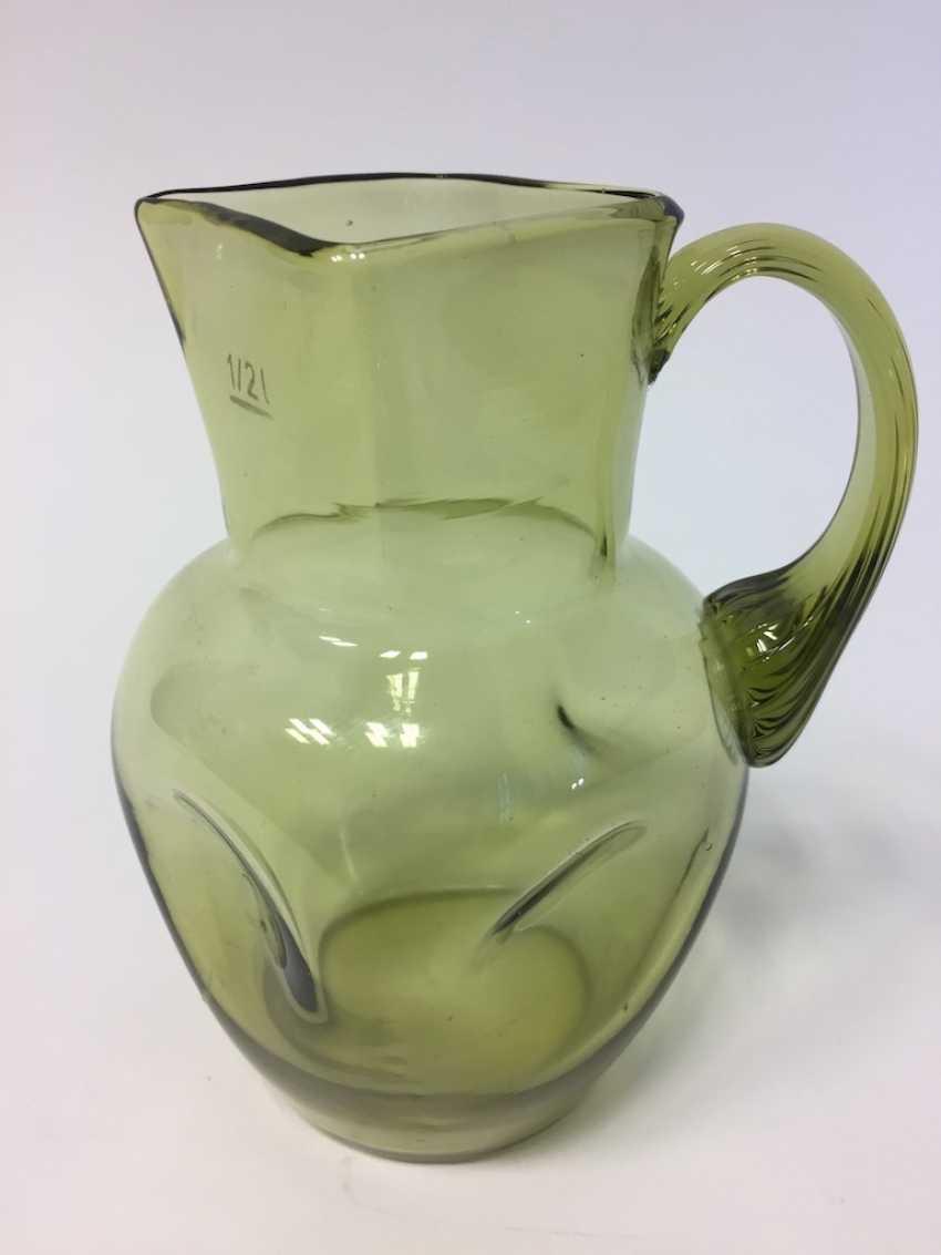 Glass pitcher: green glass with godroniertem Henkel, 19. Century - photo 2