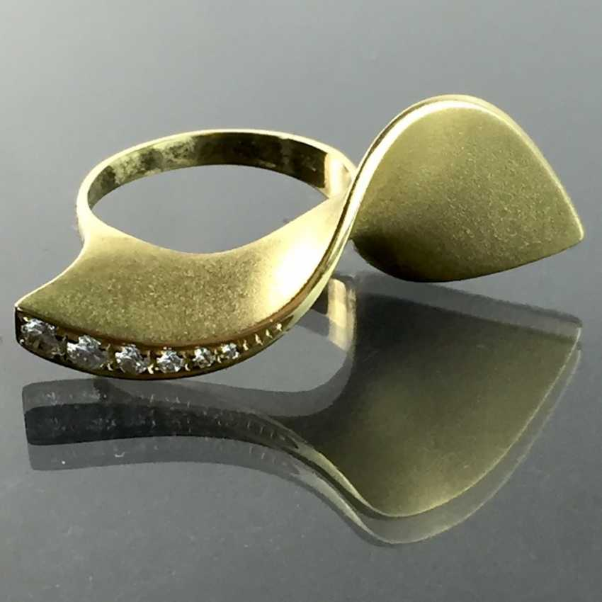 Designer Ring: Christian Bauer Jewelry, Welzheim. Yellow gold 750 and brilliant-cut diamonds. Unique. - photo 3